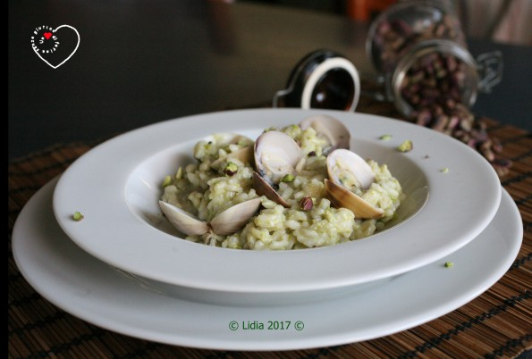 Risotto alle vongole e pistacchio