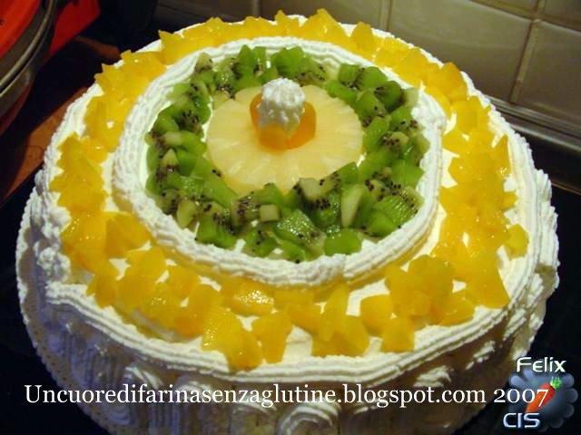 Torta di compleanno di Ro Senza Glutine