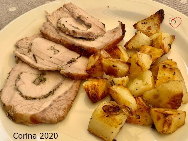 Arista di maiale porchettata con patate e cipolle al forno